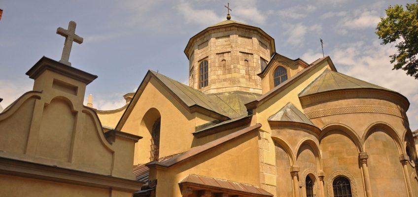 Dzielnica Ormiańska we Lwowie – złote mozaiki i kawa na piasku