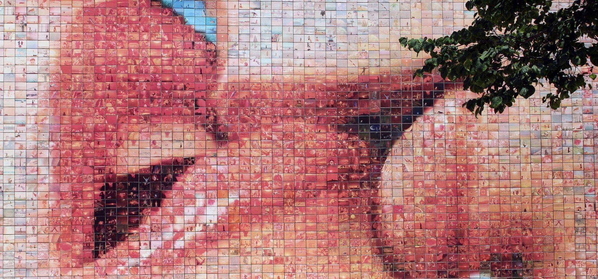 Mural El Beso. Wolność i miłość w Dzielnicy Gotyckiej