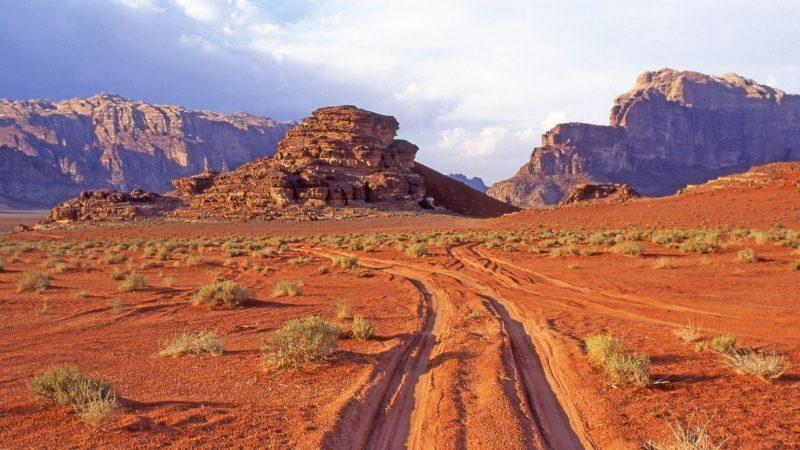 Jordania. Marsjańskie krajobrazy Wadi Rum