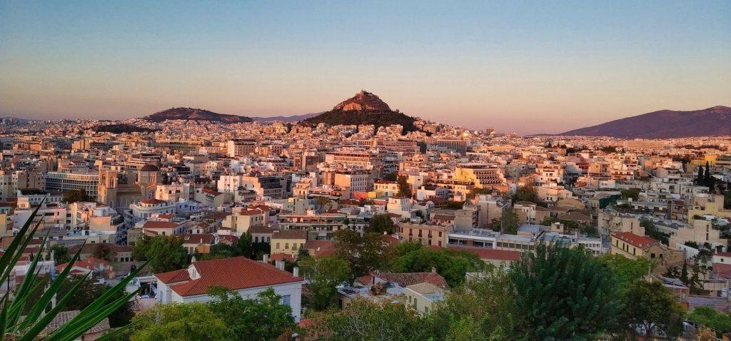 Nietypowe atrakcje Aten - zachód słońca ze wzgórza Aeropagus