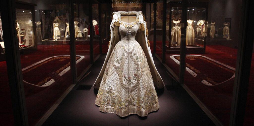 Suknia koronacyjna Elżbiety II